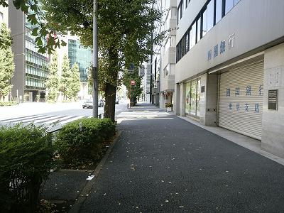 首塚から神田神社への道すがら