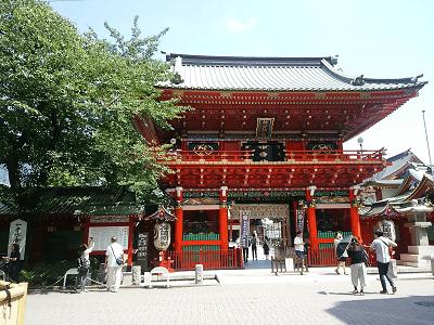 神田神社の隨神門