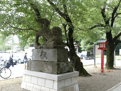 鷲宮神社の狛犬(左)