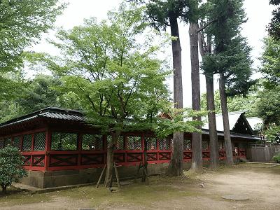 根津神社の社殿右側