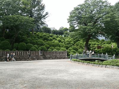 根津神社の神橋