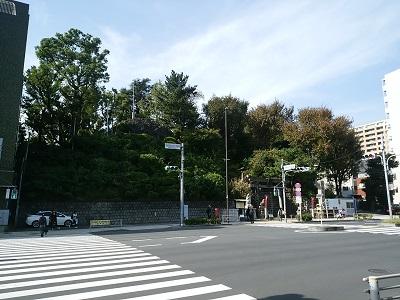 駅から見た品川神社