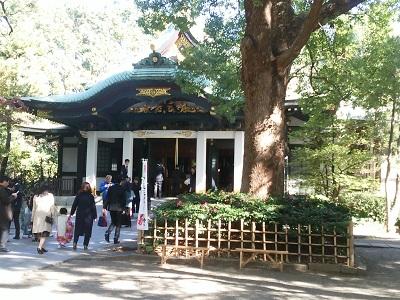 王子神社の拝殿