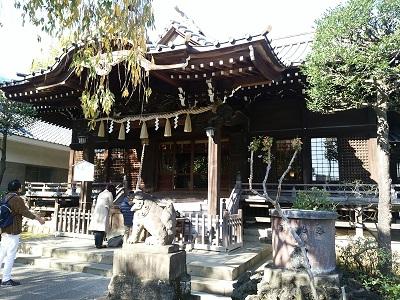 白山神社の拝殿