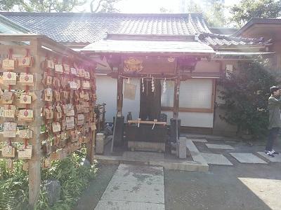品川神社の手水舎